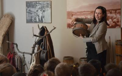 ΕΚΠΑΙΔΕΥΤΙΚΗ ΕΠΙΣΚΕΨΗ |  Λαογραφικό Μουσείο Λαμίας